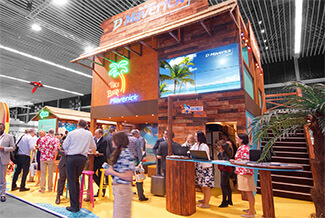 How to attract visitors to your stand